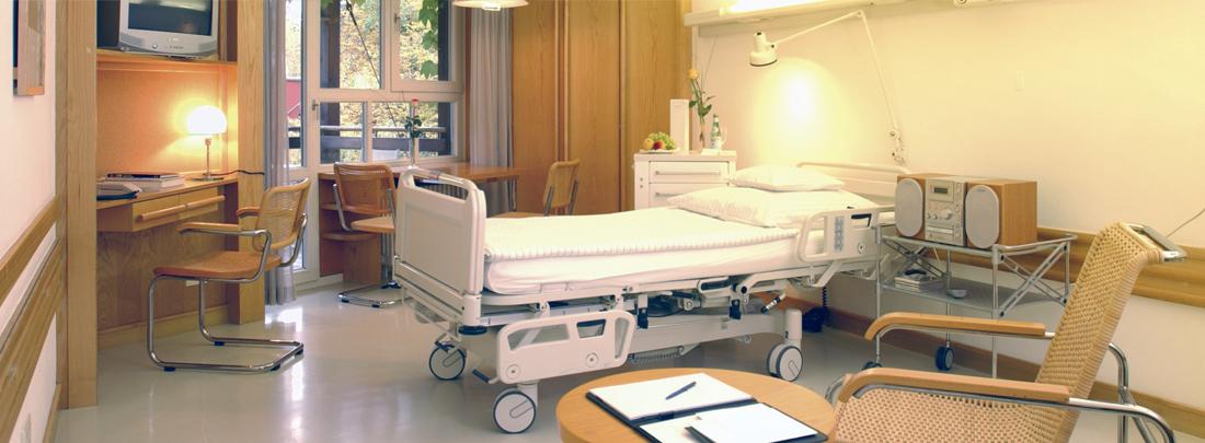 Patientenzimmer in der Wolfartklinik